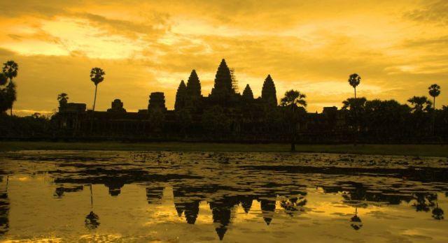Angkor Wat Temple Cambodia Tour