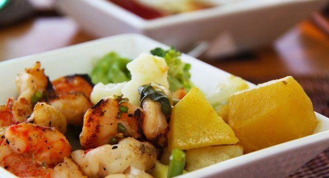 Fresh seafood curries, Maldives