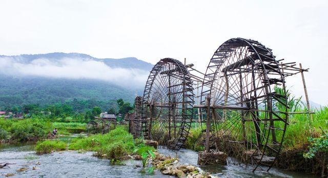 Enchanting Travel Vietanam Tours Pu Luong Nature Reserve water wheel on stream, Thanh Hoa - Vietnam Destinations