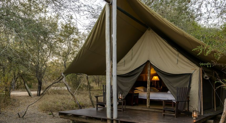 Luxus Camping im Safari-Zelt im  Rhino Safari Camp Hotel in Simbabwe, Lake Kariba & Matusadona