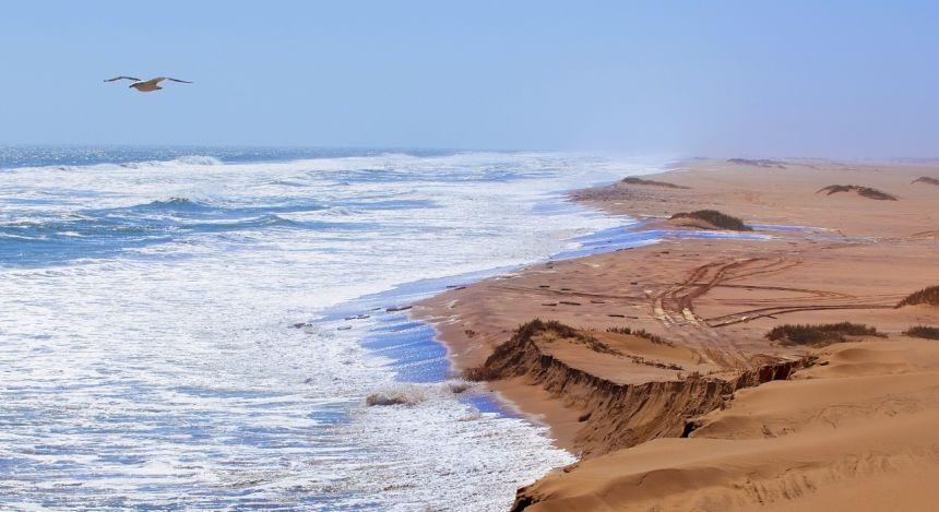 Blick über die Skelettküste der Namib-Wüste in Namibia, Afrika