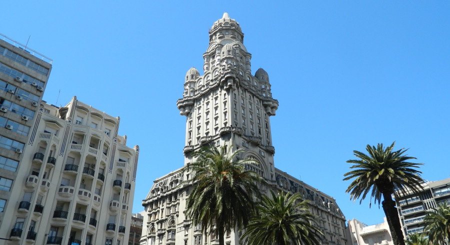 Montevideo Sehenswürdigkeiten: Palacio Salvo