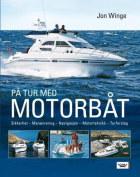 På tur med motorbåt