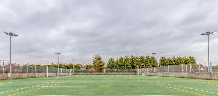 Tennis_outdoor_daytime.jpg