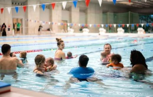 Parents with babies at swimbies lessons