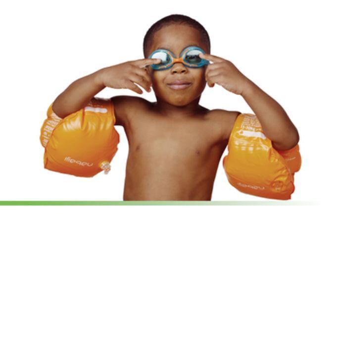 swim_image_boy_and_goggles.jpg