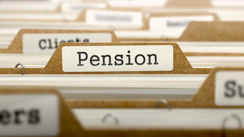 Record high deficits for UK employer defined benefit pension schemes but should you transfer?