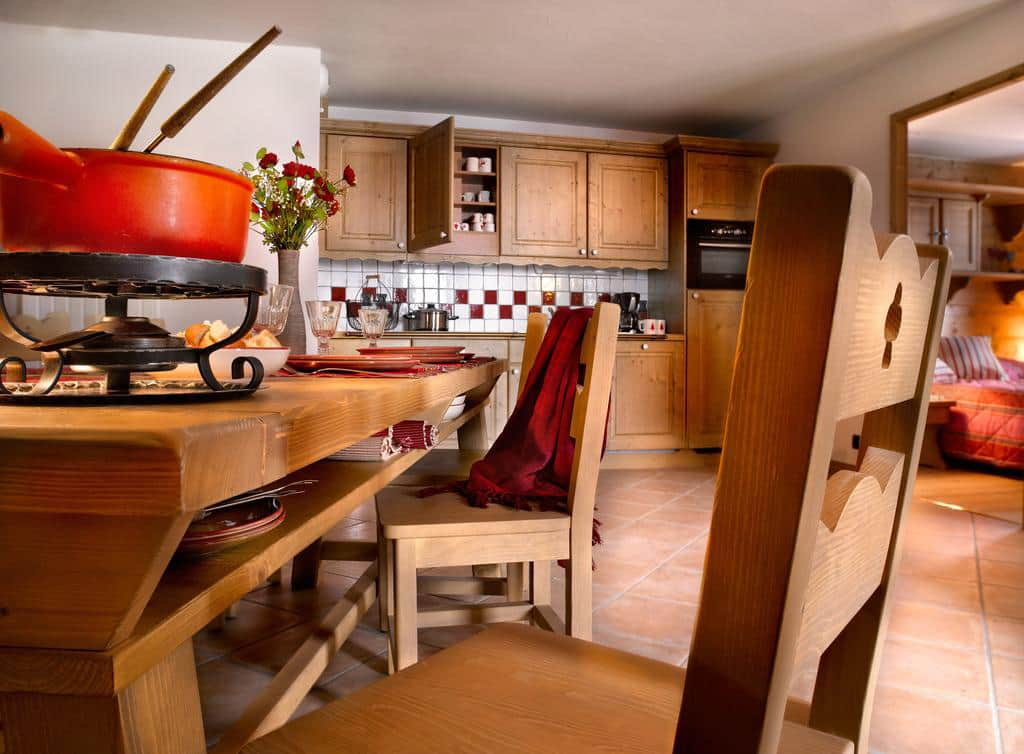 le hameau de pierre blanche chamonix valley france ski holidays from. Black Bedroom Furniture Sets. Home Design Ideas