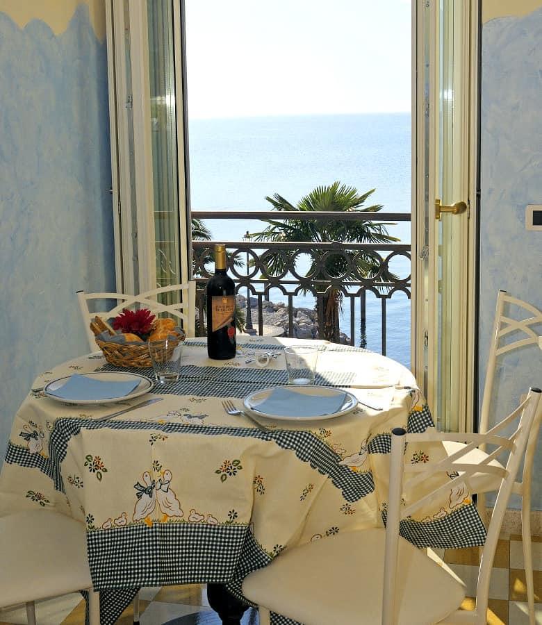 Riva Apartments: Bellavista Hotel Deluxe Apartments, Riva, Lake Garda