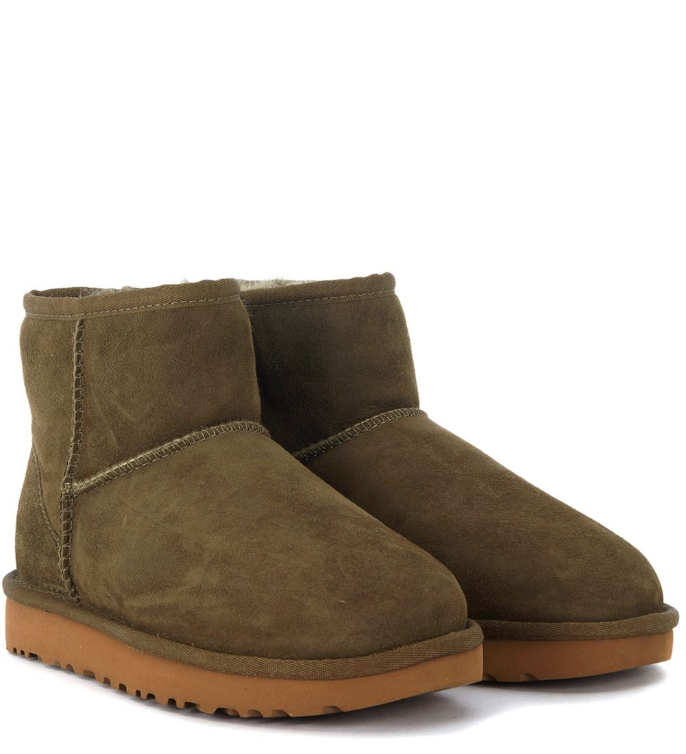 ff17ef45977 Ugg Boots Classic Mini 39