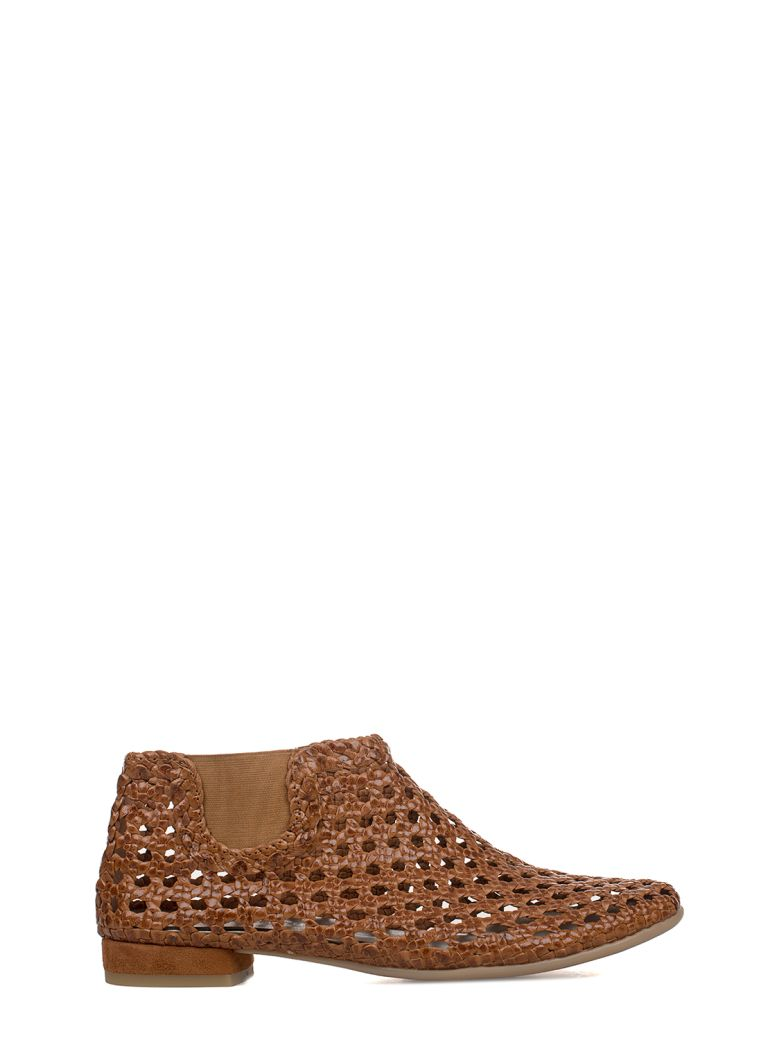 YVES DESFARGE TAN JAGGER LEATHER LOW BOOT