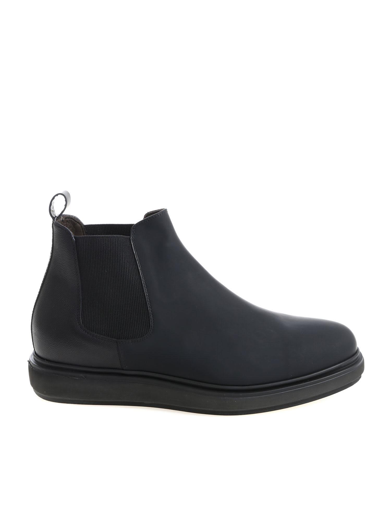 BLU BARRETT Brea Ankle Boots in Black