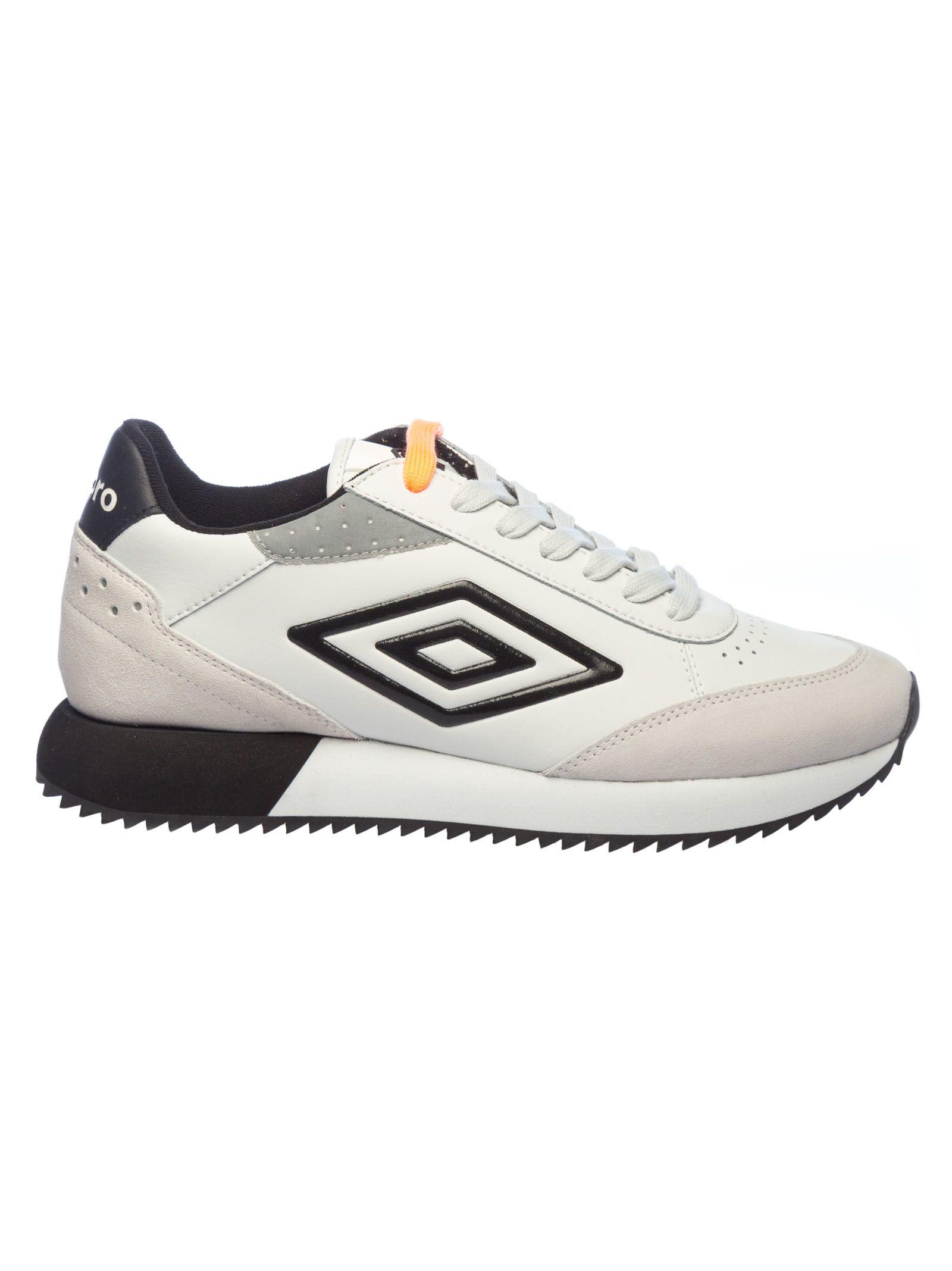 UMBRO Classic Running Sneakers in White/Black
