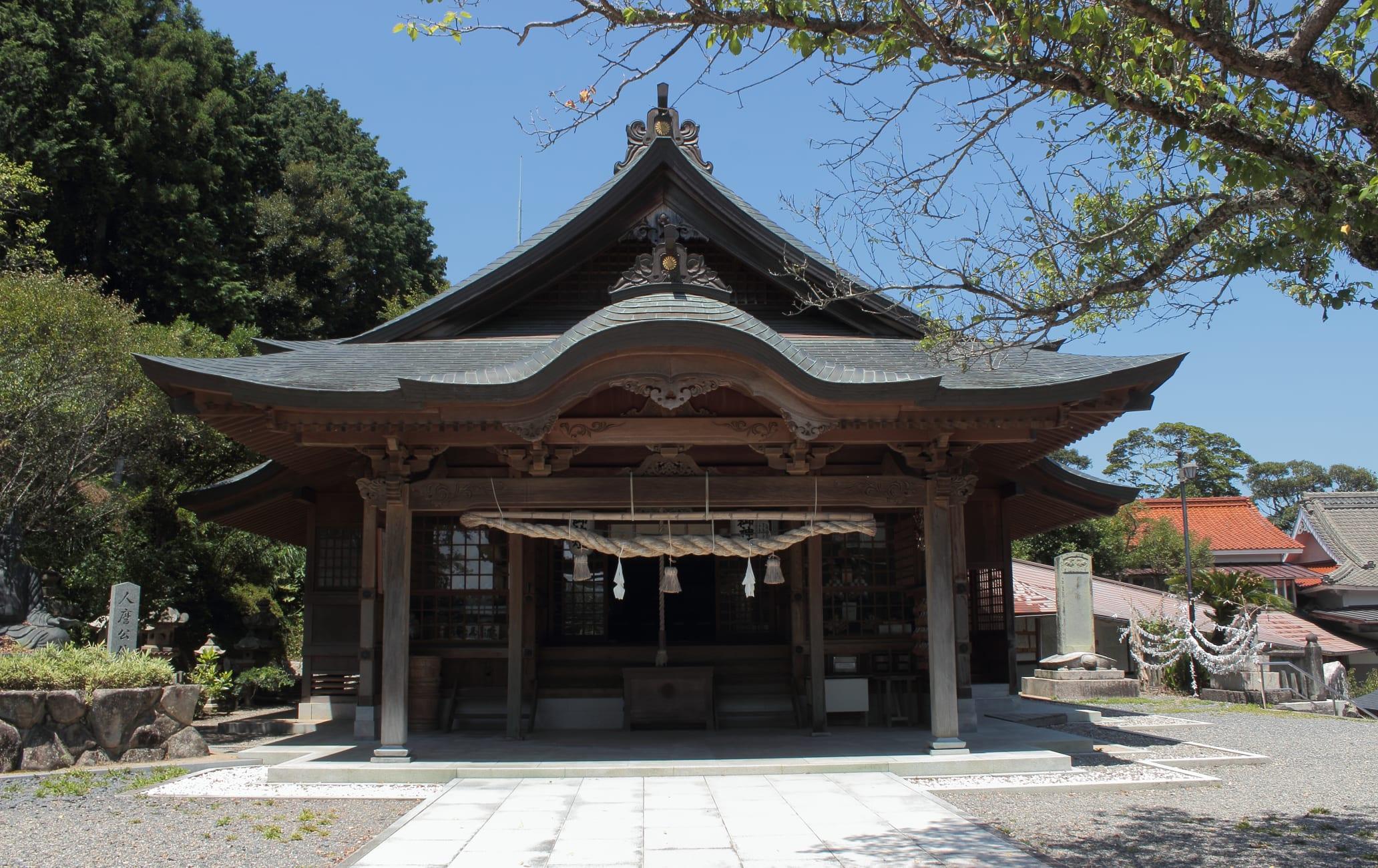 Hitomaro Shrine