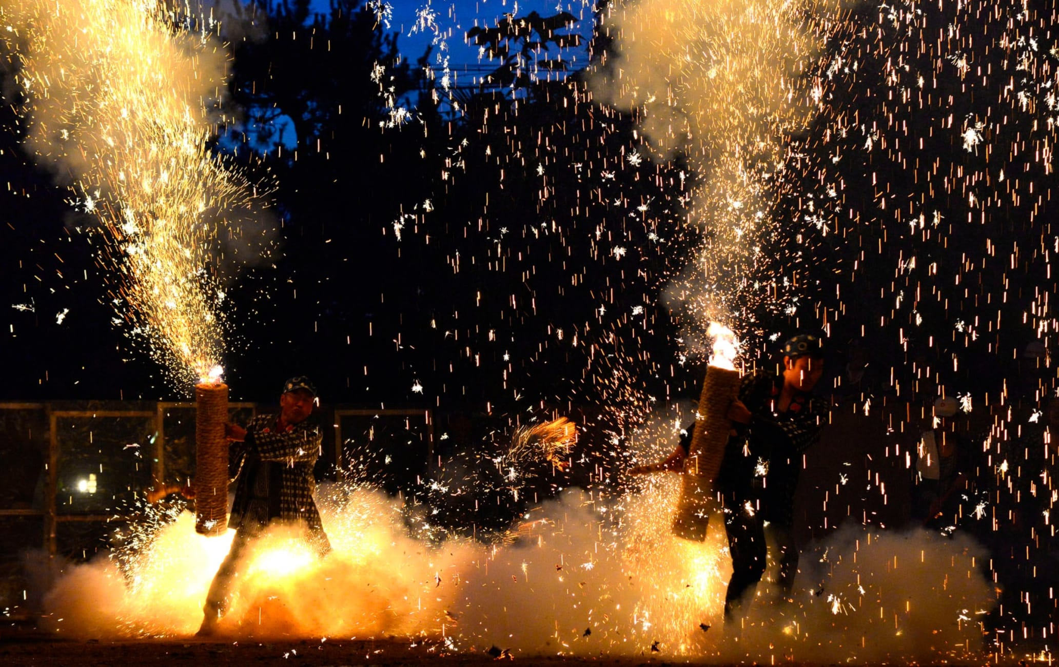 Toyohashi Gion hand pipe fireworks festival