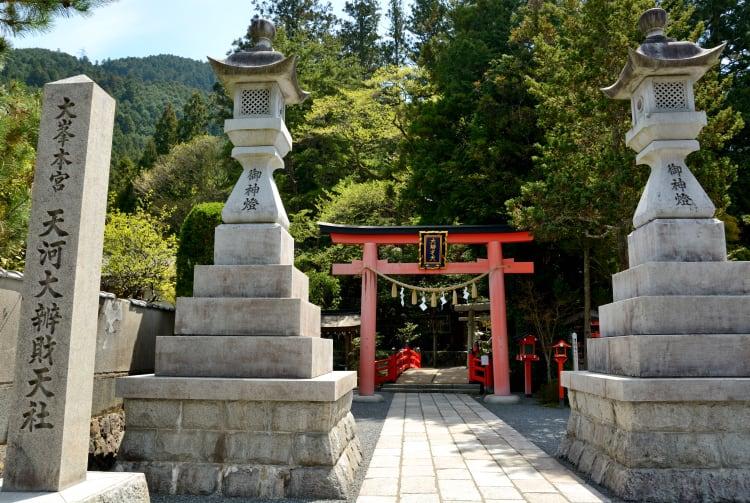 Tenkawa Daibenzaiten-sha Shrine