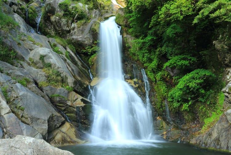 Mikaeri Waterfall