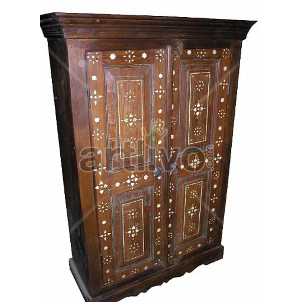 Old Indian Chiselled Ostentatious Solid Wooden Teak Almirah
