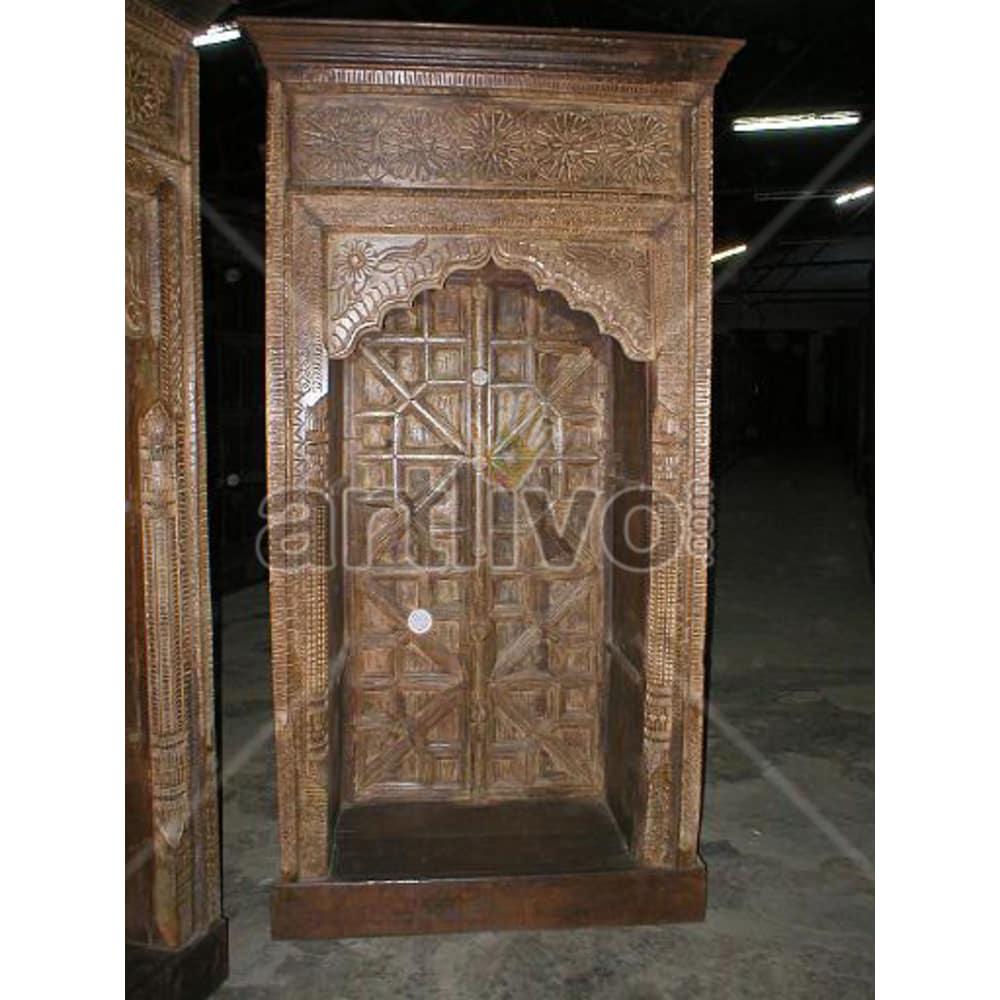 Vintage Indian Chiselled Aristocratic Solid Wooden Teak Bookshelf