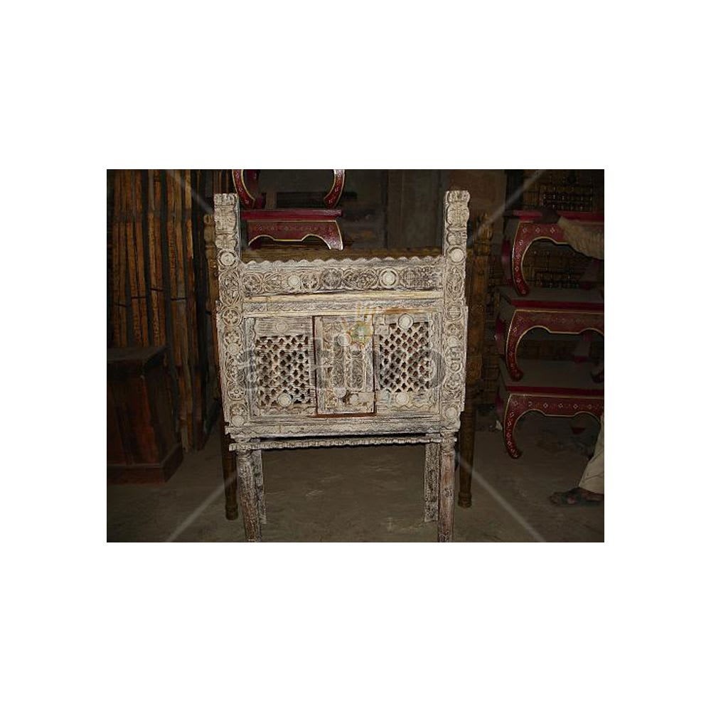 Old Indian Brown Opulent Solid Wood white color design Trunk