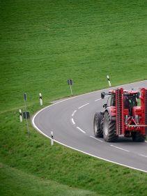 Kverneland F30 compact under transportation