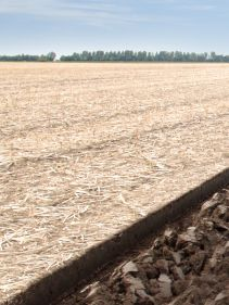 Kverneland Packomat, perfect seedbed while ploughing, kvernelands unique steel provides light and robust implement