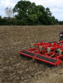 Kverneland CLC Pro combined with any roller, quality for long lifetime