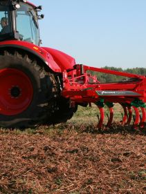 Kverneland CLC Pro Classic for smaller tractors, 3 bars optimized for mixing