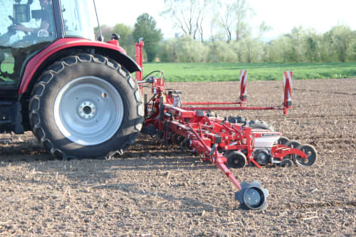Kverneland Unicorn, precision in all soil conditions, great range of tools