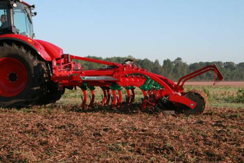 Stubble Cultivators - Kverneland CLC Pro Classic for smaller tractors, 3 bars optimized for mixing