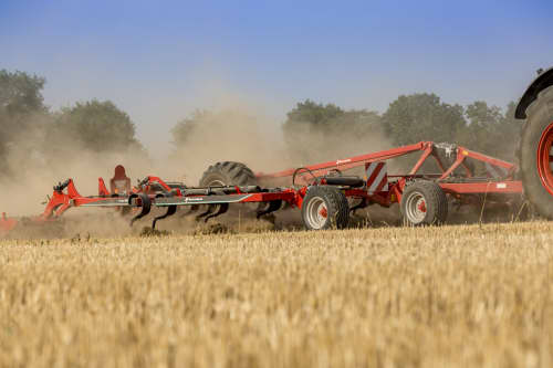 Stubble Cultivators - Kverneland Turbo powerful and efficient in use during operation