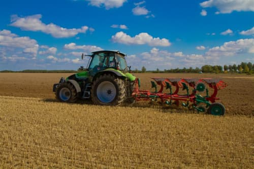 Kverneland 150 S needs low lift requirements and fuel consumption while being easy to control