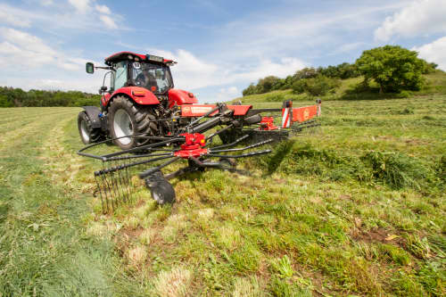 Double Rotor Rakes - VICON ANDEX 705 EVO - 705 VARIO, high performance and TerraLink Plus cardanic rotor providing improved quality of forage