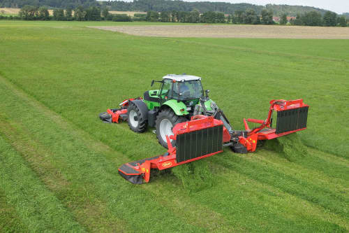 Mower Conditioners - VICON EXTRA 690T BX - TRIPLE MOWER COMBINATION, folded for safe, compact and efficient transportation on road