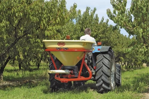 pendulum spreaders - Vicon SuperFlow PS403VITI, made for orchards also easy during operation