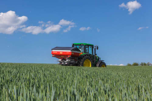 Disc Spreaders - Vicon RotaFlow Ro-M EW, low weight perfect for small growers, operates precisely on uneven terrain, comes with ISOBUS system