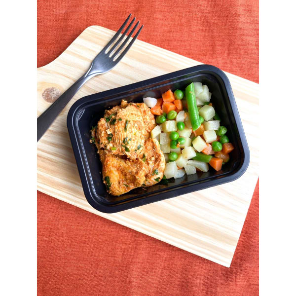 Frango marinado com seleta de legumes