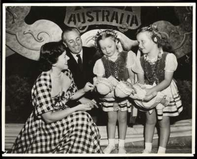 Harold Holt, Minister for Immigration, and Zara Holt with two immigrant girls, c1950.