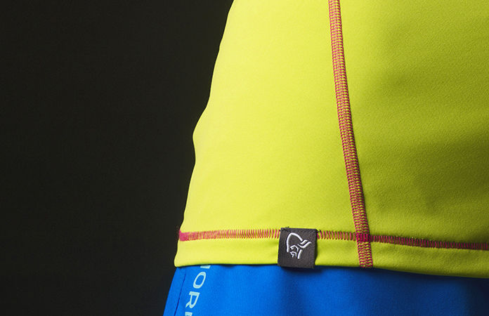 Detail of the tech long sleeve shirt for women, perfect for your active lifestlye.