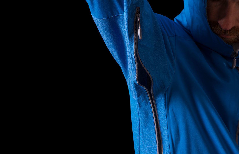 Norrona hybrid jacket - ventilation