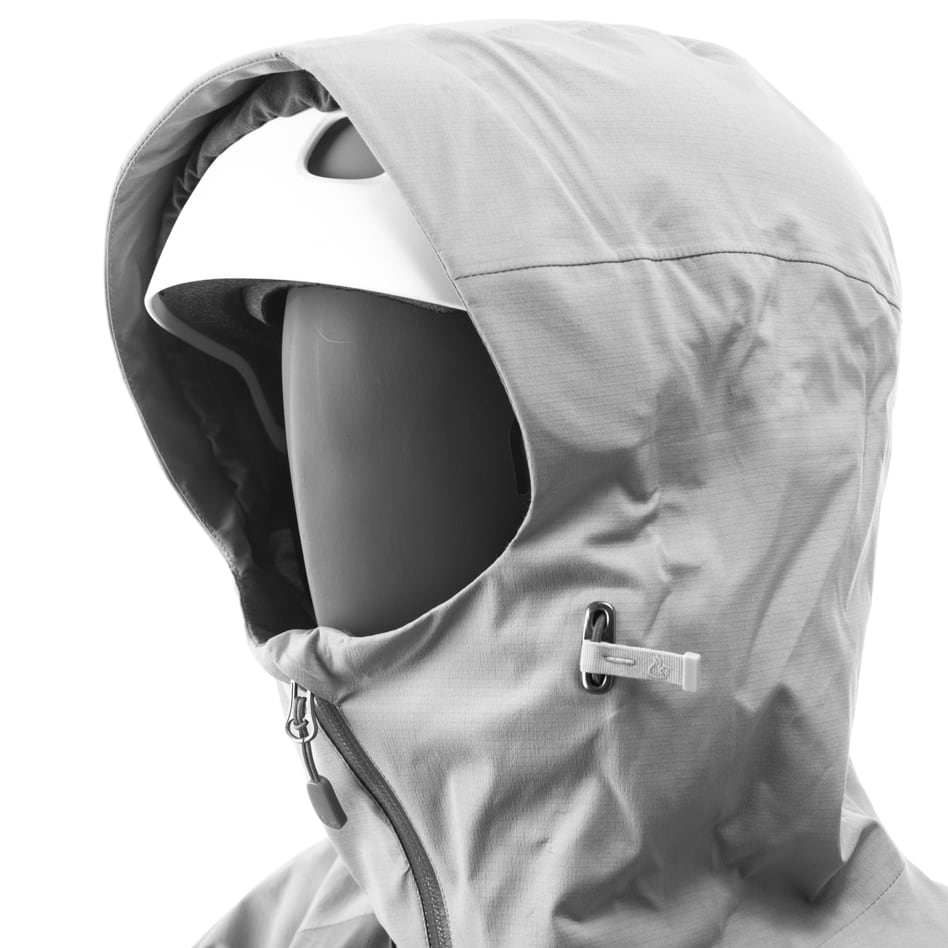Technical details Storm hood fitted for helmet with wired brim