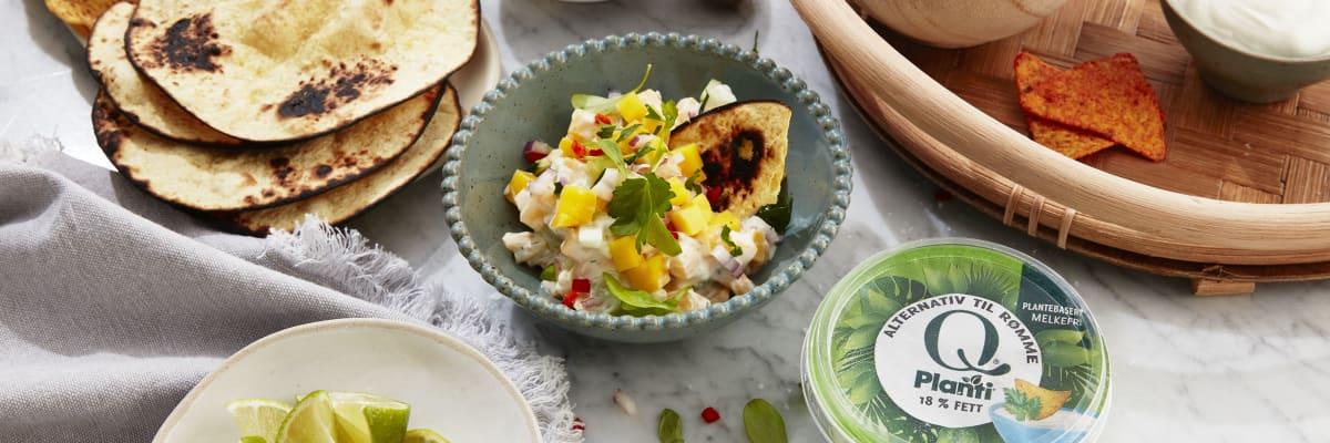 Frisk og søt mangosalat smaker kjempegodt på tex-mexen