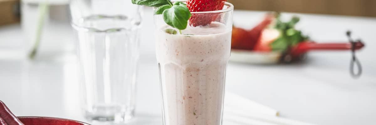 Chilismoothie med Q® Frokostyoghurt jordbær er en litt uvanlig men skikkelig god kombinasjon.