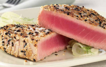 Tuna with Red Pepper Sauce