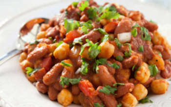 Sweet 'N Spicy Garbanzo Bean Chili