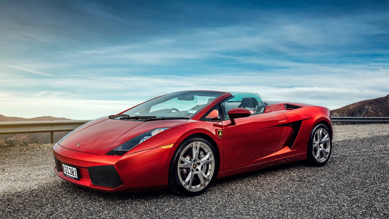 Luxury Vehicle: Lamborghini Gallardo Spyder