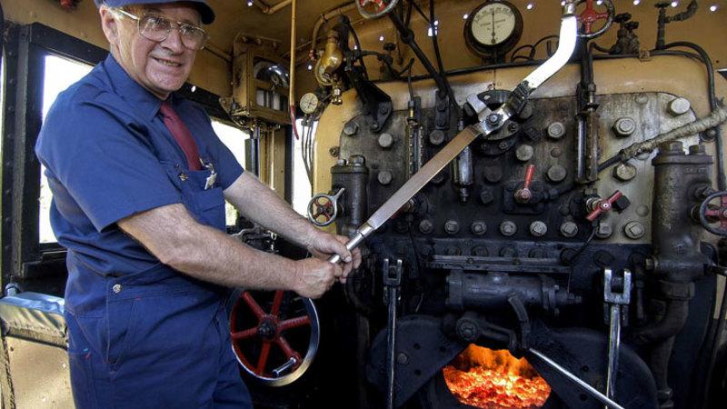 Redballoon Steam Train Driv...