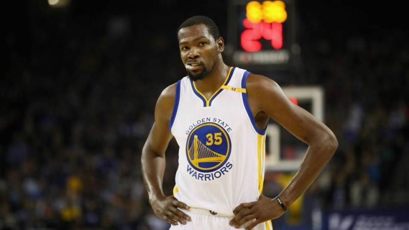 5519e20469bc Was Kevin Durant playing to quiet Rihanna in Game 1 of the NBA Finals