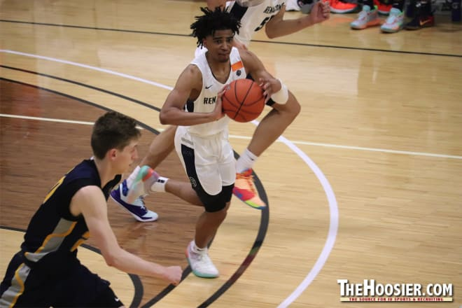 Indiana Hoosiers basketball target R.J. Davis helped his NY Renaissance squad to a 4-1 record in pool play at Peach Jam, but they fell event champion MOKAN Elite in their tournament play opener.
