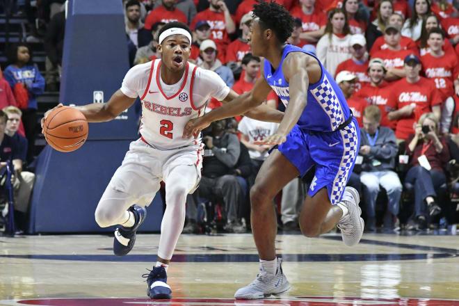 Vols beat No. 4 Kentucky, 71-52